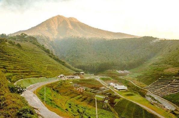 lembah indah gunung kawi